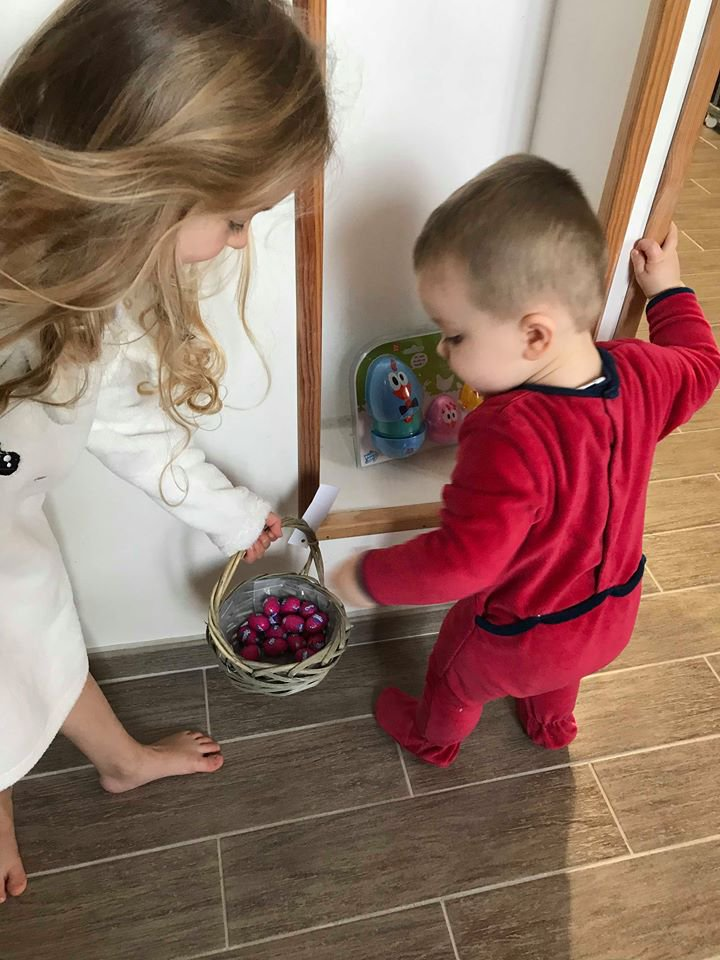 La chasse aux oeufs de Pâques de nos petites merveilles  !!