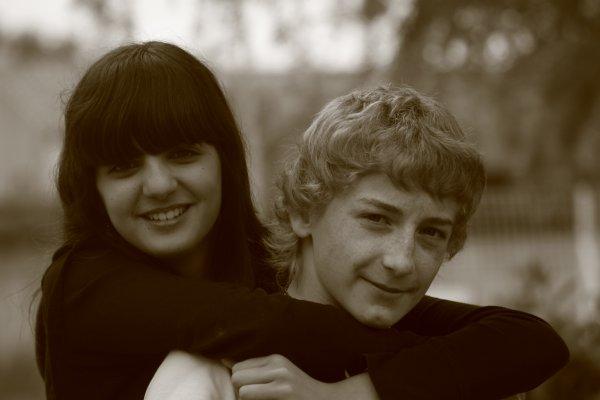 Ma soeur, une espérance _________là, elle l'étrangle x)_______ Mon frère, une préférance.