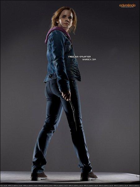 + 1 Photo d'Emma faite pour un photoshoot d'Harry Potter et les Reliques de la Mort Partie 2.