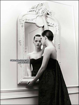 + 3 Photos d'Emma pour un shooting fait par Mariano Vivanco.
