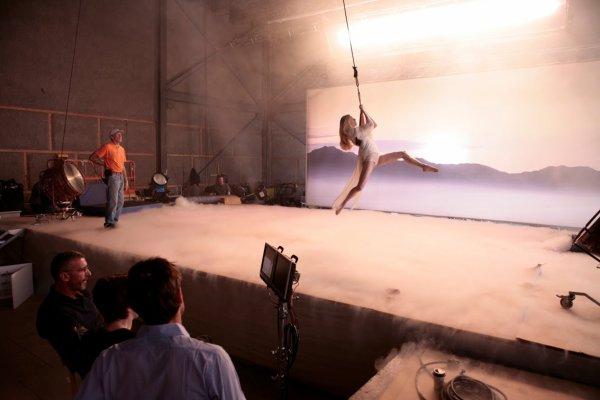 Aura by Swarovski : Behind the Scenes