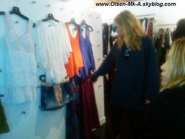 photo provenant du facebook Olsenboye qui vient d'êre posté ( mary kate et ash travaillent sur la collection été 2011 )