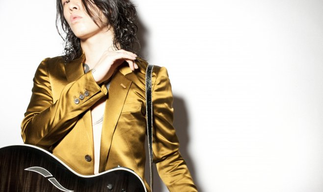 MIYAVI for TAYLOR Guitars !