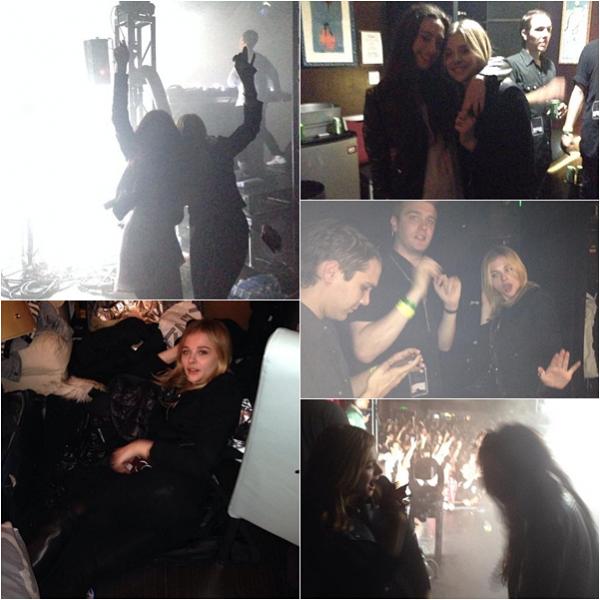 → 25/01 : Chloë a assisté à un concert, avec des amis. Voici plusieurs photos personnelles postées sur les réseaux sociaux.