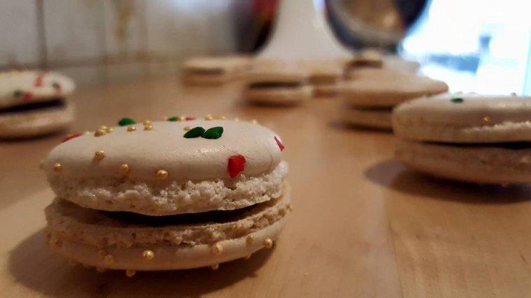 Macarons de Noël chocolat praliné