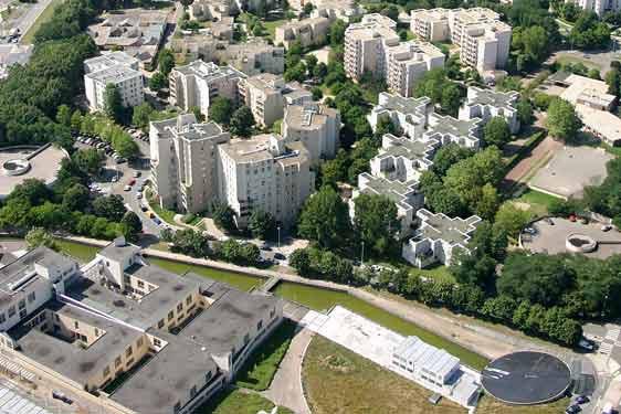 Montigny le bretonneux quartier des pres blog de hlm78poto for Piscine montigny le bretonneux horaires