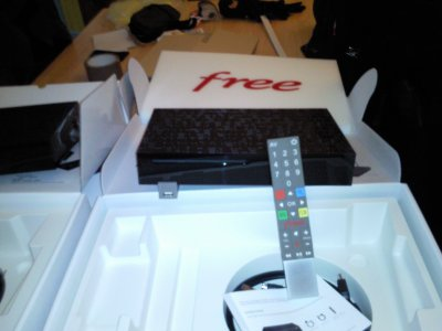 freebox v6 player avec a telecommande univers free v6 et v5. Black Bedroom Furniture Sets. Home Design Ideas