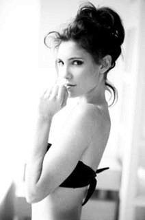Joyeux anniversaire à la plus magnifique des actrice ❤️ Daniela Ruah *_* ❤️