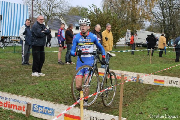 16/11/2014 - CYCLO-CROSS D'AIGLEMONT (08)