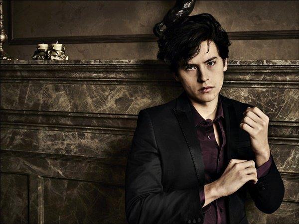 * ●● Découvrez cette sublime photo de Cole pour le magazine Teen Vogue *