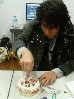Ƹ̵̡Ӝ̵̨̄Ʒ  ~ Bon anniversaire Yûya!! 2011! ~ (^人^)