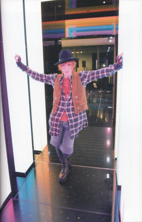 φ(.. ) ~ Pati pati octobre 2007 -- Hitofudegaki no Bigaku 6 -- ''Convini''