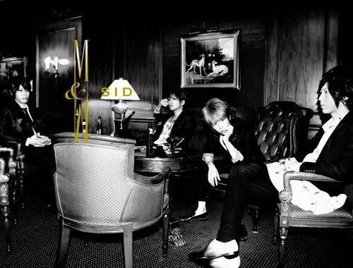 Ƹ̵̡Ӝ̵̨̄Ʒ ~ Nouvel album M&V le 1er août 2012!
