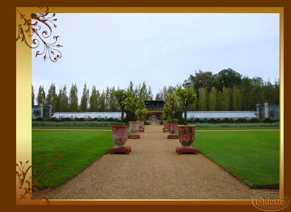 grâce aux journées du patrimoine j ai pu visiter ce joli château du Champ de Bataille