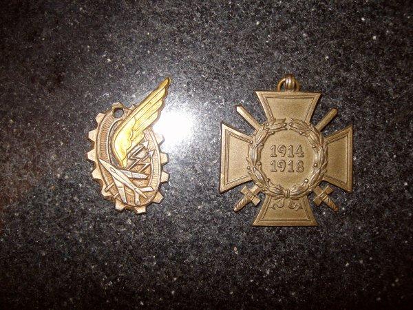 Insigne + médaille
