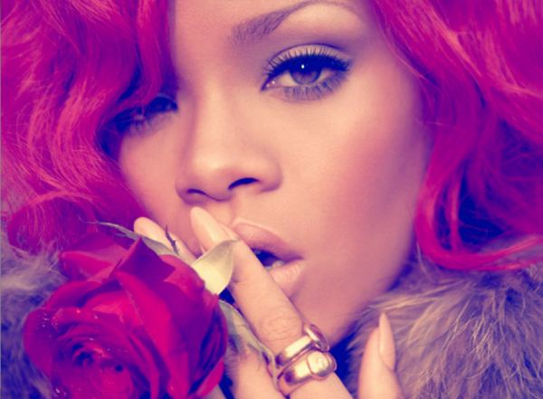 «  RAINING MEN » Rihanna feat Nicki Minaj