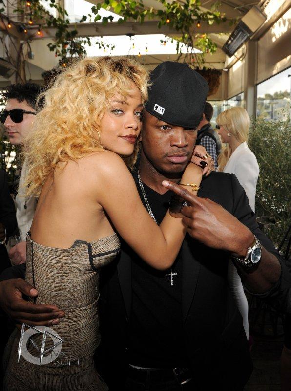 """Rihanna au """"Pré-Grammy Awards"""" le 11 Février 2012 .."""