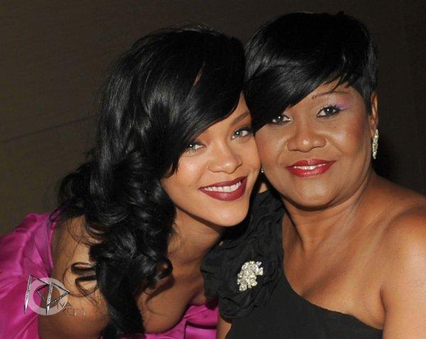 Rihanna était hier soir à New York pour participer au gala du « Time 100 » qui récompense les 100 personnes les plus influentes au monde.