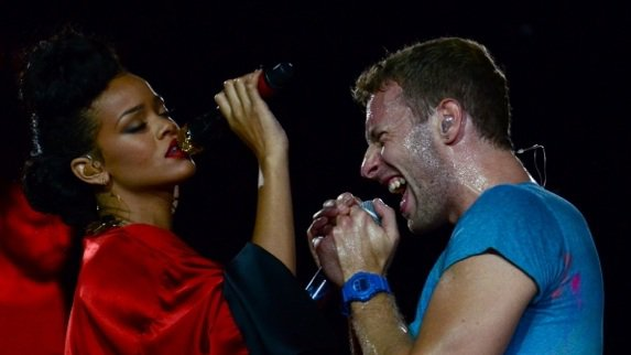 Rihanna est venue interpréter « Princess Of China » avec Chris Martin le 02 Septembre au Stade de France