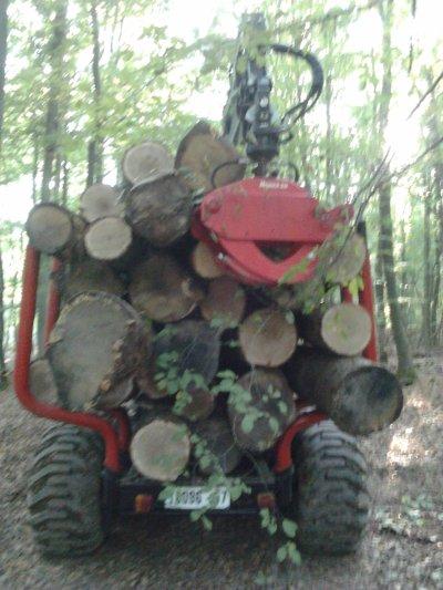 VALTRA 8950 et remorque forestière !!!!