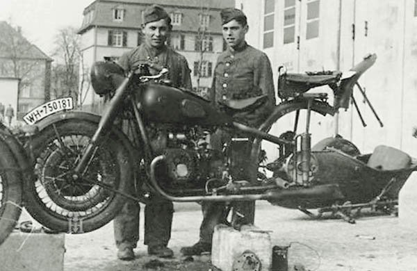 Photos d'époque de BMW R71 durant la guerre