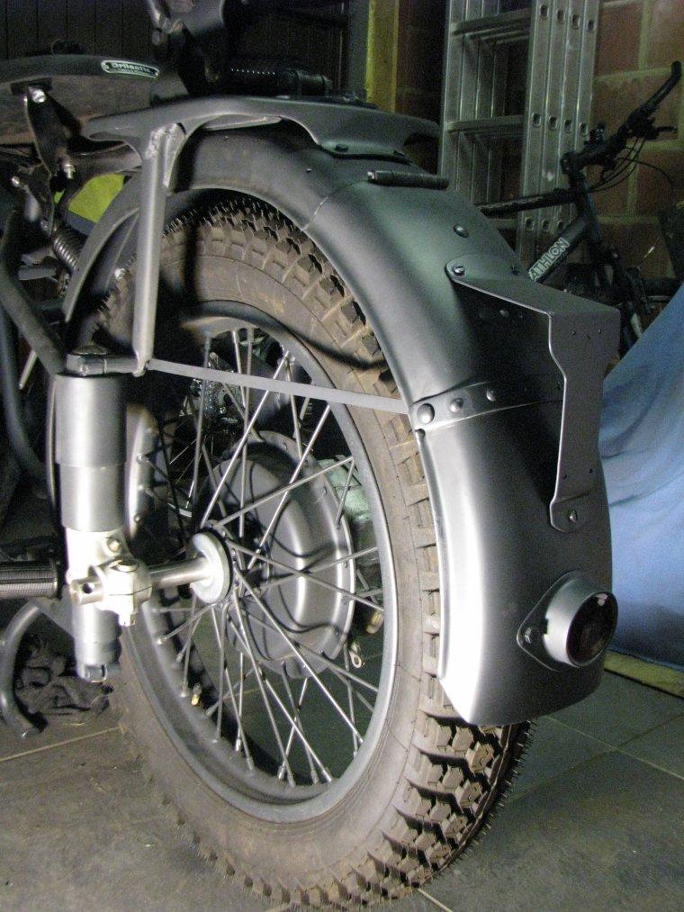 Modif garde boue arrière M72 pour R71