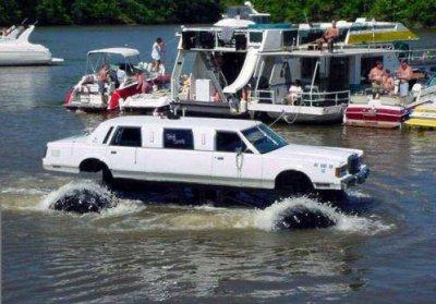la voiture qui va roule dans l 39 eau blog de pierre0121. Black Bedroom Furniture Sets. Home Design Ideas