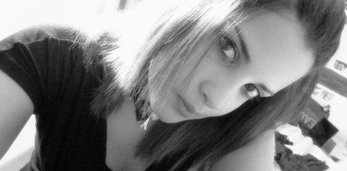 J'suis pas amoureuse mais j'suis une menteuse.