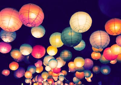 Mais vous savez, on peut trouver du bonheur même dans les endroits les plus sombres. Il suffit de se souvenir d'allumer la lumière.