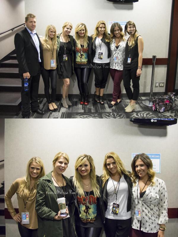 Le 21/09, Demi a performer pour l'ouverture du store Microsoft au Burlington Mall à Burlington + elle a fait un Meet & Greet avant le concert !!