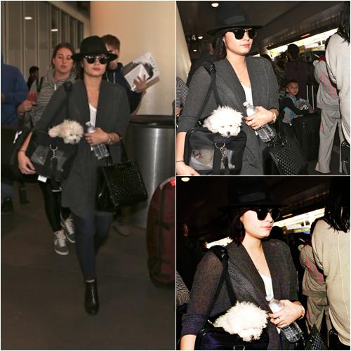 LE 18/12 - Demi est aller au 103.5 KISS FM's Jingle Ball à Chicago!