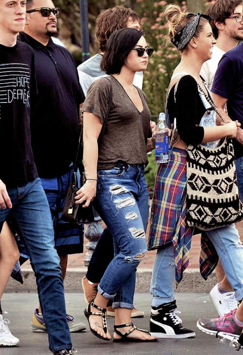 LE 15/03 - Demi est allée à DisneyLand à Los Angeles!