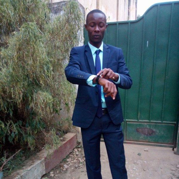 jules-mbongo  a fêté ses 31 ans le 15/12/2019, pense à lui offrir un cadeau.Samedi 14 décembre 2019 23:00