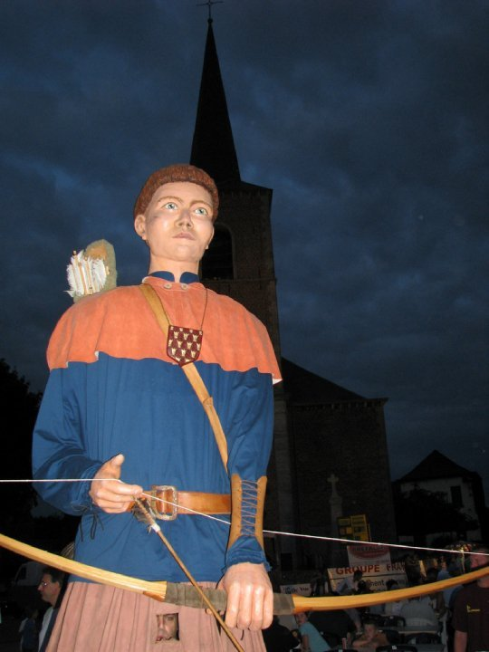 Ducasse d'Isières - Village dangereux !