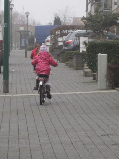 Balade dans le quartier, en vélo, avec Mary