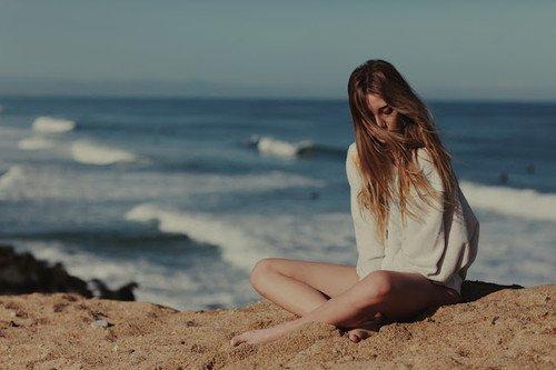 La solitude et moi ça ne fait qu'un, depuis bien trop longtemps maintenant.