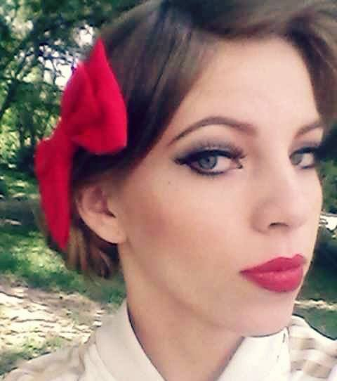 Maquillage et coiffure Pin Up :*