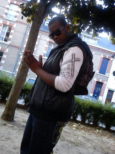 f2f Antre du mal / Amour furtif (2011)