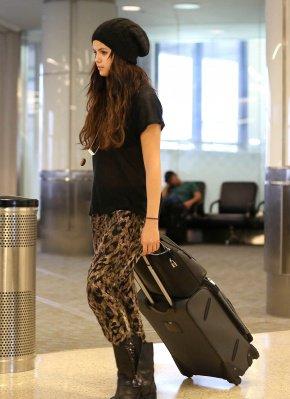 selena gomez a l'aeroport de LAX