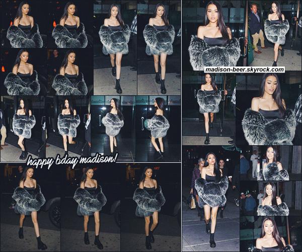 """- -• 05/03/18-' : Madison Beer à été photographiée sortant de son dîner d'anniversaire au restaurant """"Mr Chow"""" à L.A.    La reine de la soirée a optée pour une tenue sombre, petite robe noire et une fourrure noire également. Un Top pour Madison ! Qu'en pensez-vous ? -"""