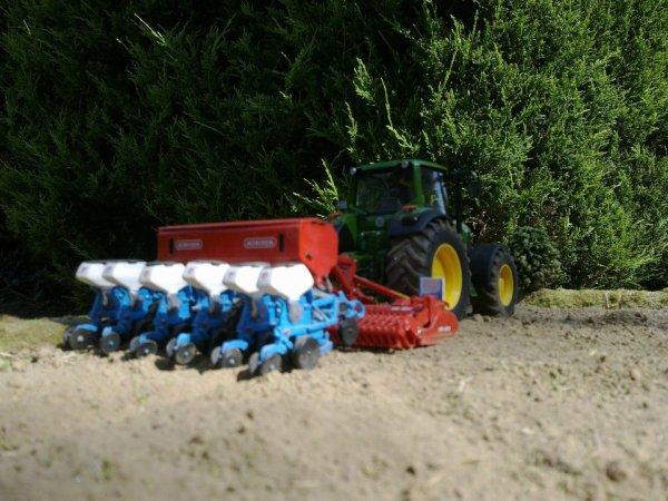 Semis de maïs ! ...