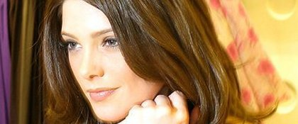 Twilight 4:  Ashley Greene intarissable est  sur Miley Cyrus