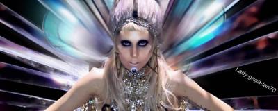 """Lady Gaga tweet: """" Merci @ toutes les radios..."""""""