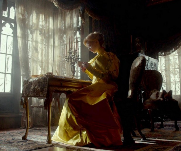 SUITE CRIMSON PEAK ...