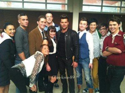 Les premières photo de Ricky Martin avec le Glee Cast