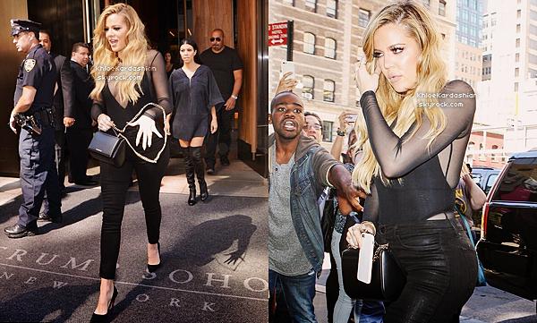 CANDIDS - PHOTOSHOOT - EVENTS - INFO -  INSTAGRAM __Fini la Fashion Week pour notre Khloé Kardashian. Elle est de retour à Los Angeles, elle a donc été vu avec sa soeur Kourtney et son neveu Reign Disick alors qu'ils étaient a l'aéroport LAX de Los Angeles. Niveau look, Koko est à la pointe de la mode dans cette combinaison Adidas ! Elle est super belle dedans et la combi lui va bien. Khloé avait choisit de mettre des talons Tom Ford qui vont bien avec la tenue et qui sont très beaux. Même si j'ai cette association j'aurais préférée qu'elle mette des baskets avec cette tenue, mais je lui accorde tout de même un top.