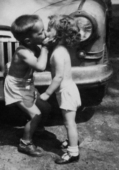 A  force de faire semblant d'être amoureux on le devient pour de vrai.