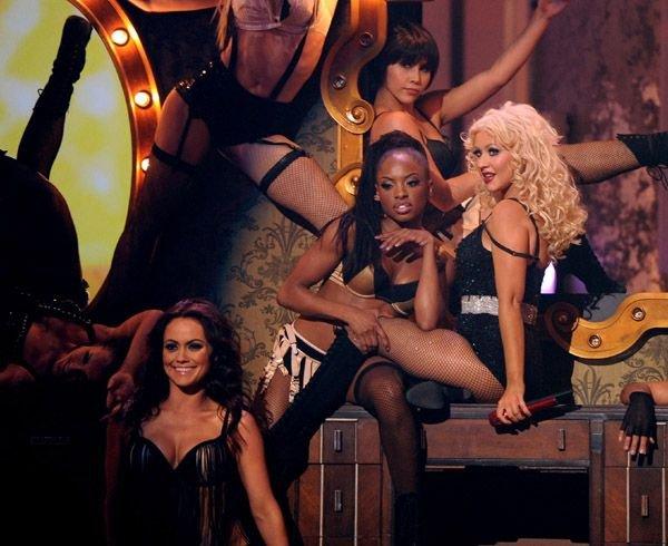 La promotion pour Burlesque continue, et passe peut-être par la France ...