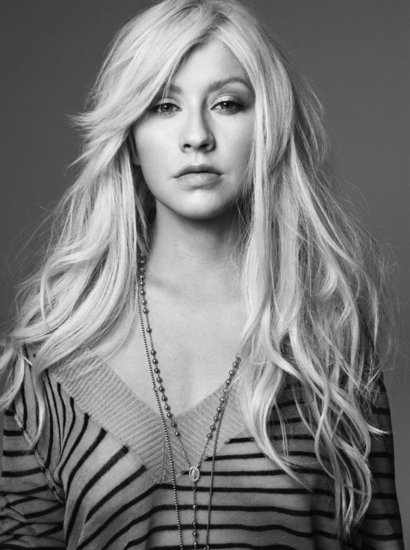 Christina Aguilera : The beautiful journey