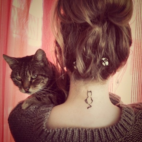 le  tattoo sur le cou  coup de coeur d'une barbz